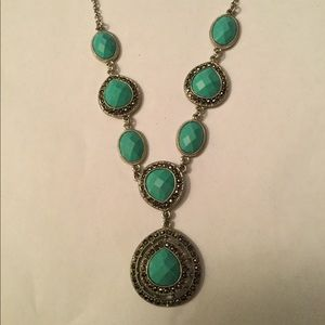 TRIFARI TURQUOISE CRYSTAL NECKLACE, GORGEOUS!
